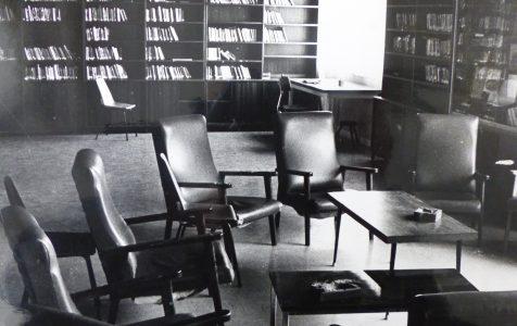 Bibliothèque centre social années 1980
